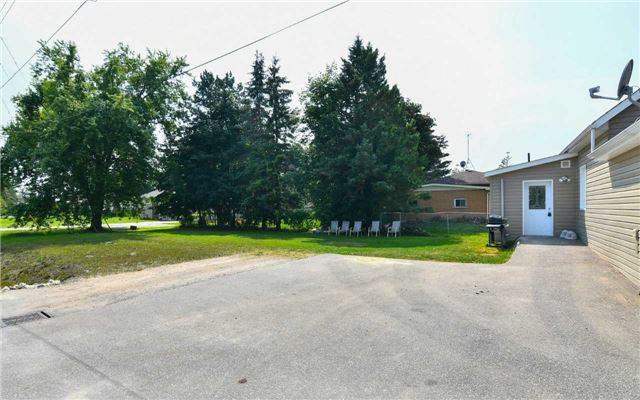 Detached at 75 Denney Dr, Essa, Ontario. Image 13