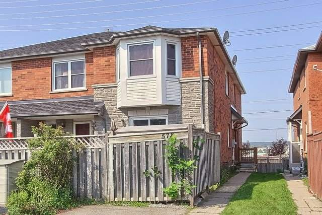 Townhouse at 578 Pinder Ave, Newmarket, Ontario. Image 1