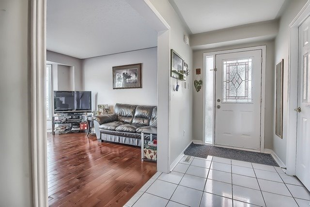 Townhouse at 578 Pinder Ave, Newmarket, Ontario. Image 16