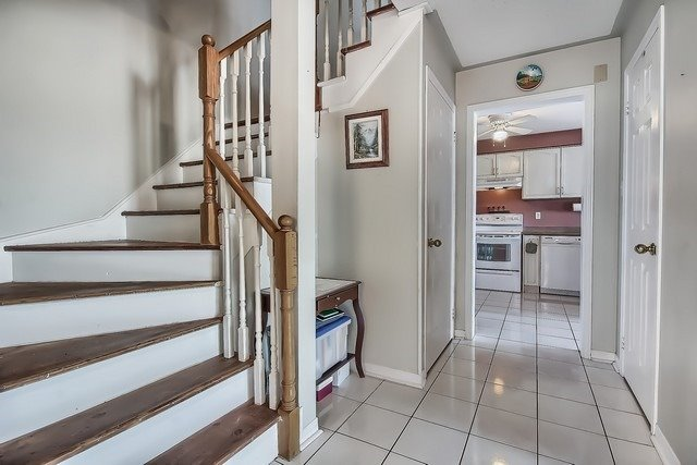 Townhouse at 578 Pinder Ave, Newmarket, Ontario. Image 17