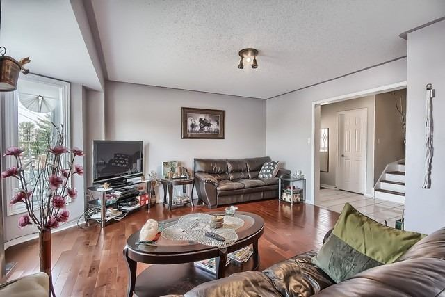 Townhouse at 578 Pinder Ave, Newmarket, Ontario. Image 19