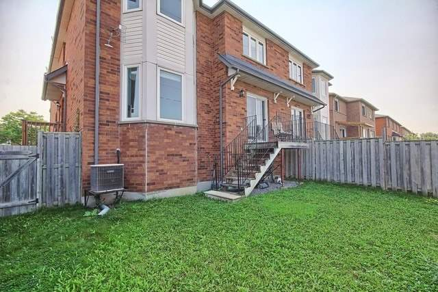 Townhouse at 578 Pinder Ave, Newmarket, Ontario. Image 11
