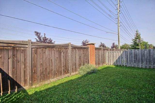 Townhouse at 578 Pinder Ave, Newmarket, Ontario. Image 13