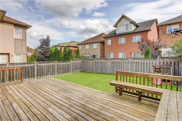 Detached at 23 Strauss Rd, Vaughan, Ontario. Image 11