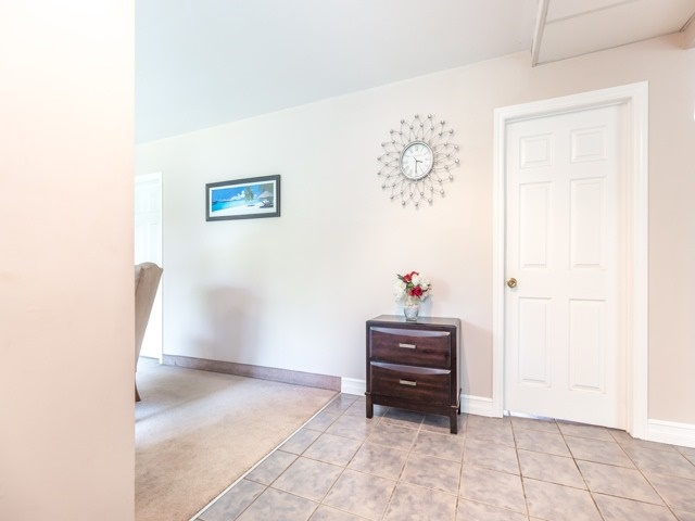 Detached at 445 Hill St, East Gwillimbury, Ontario. Image 14
