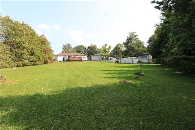 Detached at 2082 Lea Rd, Innisfil, Ontario. Image 14