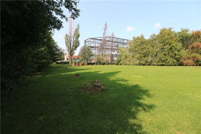 Detached at 2082 Lea Rd, Innisfil, Ontario. Image 15