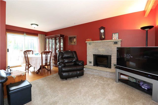 Detached at 2082 Lea Rd, Innisfil, Ontario. Image 5