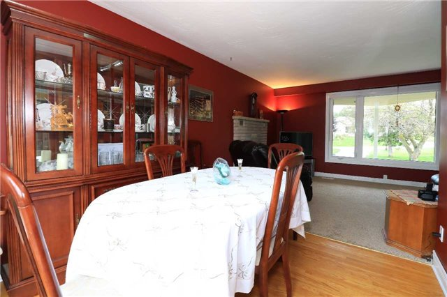 Detached at 2082 Lea Rd, Innisfil, Ontario. Image 7