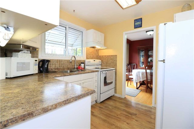 Detached at 2082 Lea Rd, Innisfil, Ontario. Image 10