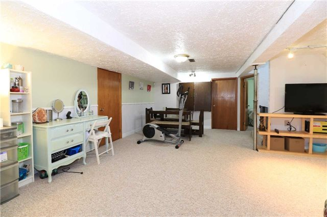 Detached at 2082 Lea Rd, Innisfil, Ontario. Image 11