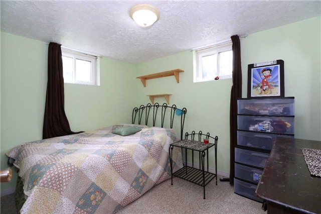 Detached at 2082 Lea Rd, Innisfil, Ontario. Image 13