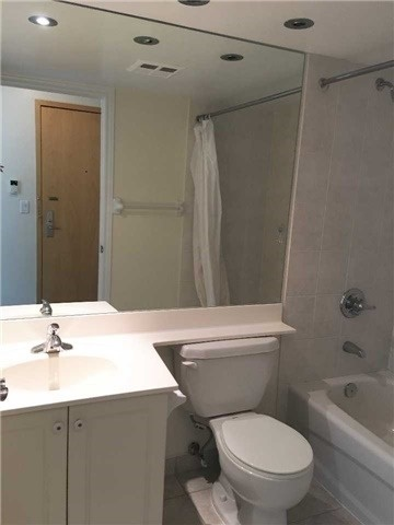 Condo Apartment at 48 Suncrest Blvd, Unit 206, Markham, Ontario. Image 7