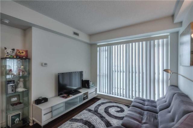 Condo Apartment at 8130 Birchmount Rd, Unit 809, Markham, Ontario. Image 17