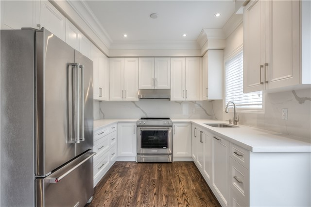 Townhouse at 8899 Bayview Ave, Richmond Hill, Ontario. Image 1