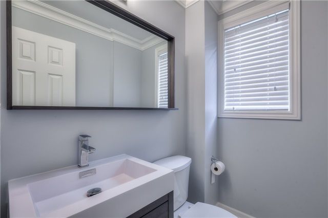 Townhouse at 8899 Bayview Ave, Richmond Hill, Ontario. Image 6