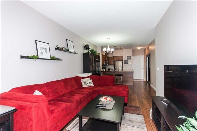 Condo Apartment at 18 Harding Blvd, Unit 102, Richmond Hill, Ontario. Image 18