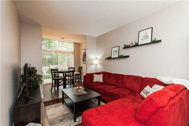 Condo Apartment at 18 Harding Blvd, Unit 102, Richmond Hill, Ontario. Image 19