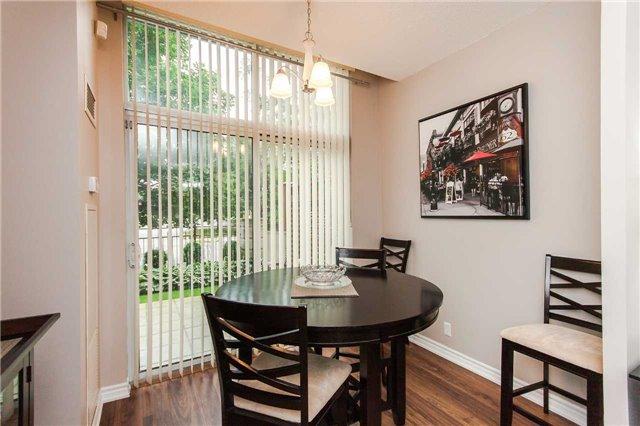 Condo Apartment at 18 Harding Blvd, Unit 102, Richmond Hill, Ontario. Image 2
