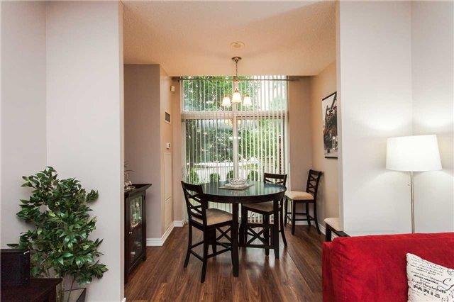 Condo Apartment at 18 Harding Blvd, Unit 102, Richmond Hill, Ontario. Image 3