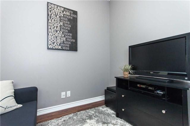 Condo Apartment at 18 Harding Blvd, Unit 102, Richmond Hill, Ontario. Image 6