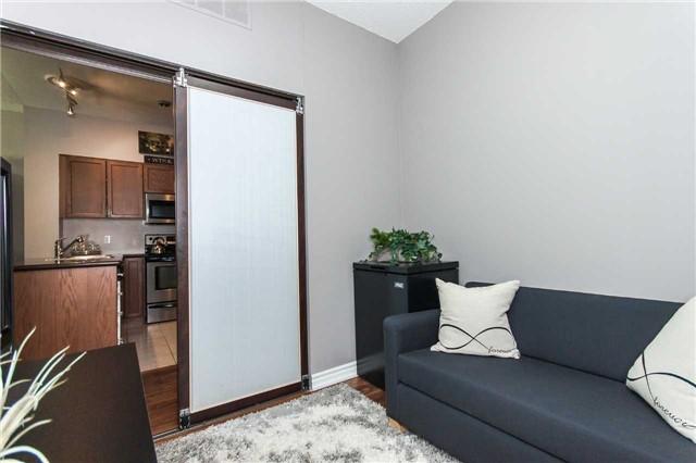 Condo Apartment at 18 Harding Blvd, Unit 102, Richmond Hill, Ontario. Image 7