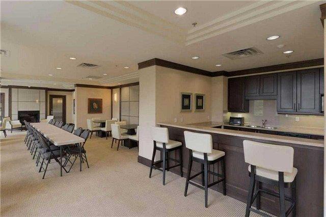 Condo Apartment at 18 Harding Blvd, Unit 102, Richmond Hill, Ontario. Image 10