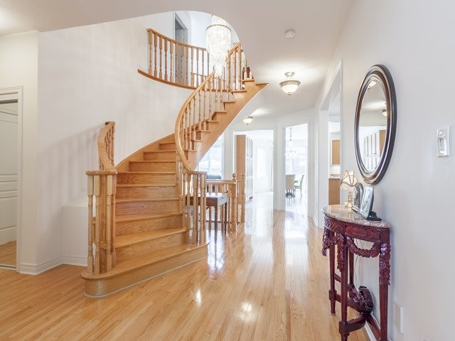 Detached at 221 Sunset Beach Rd, Richmond Hill, Ontario. Image 14