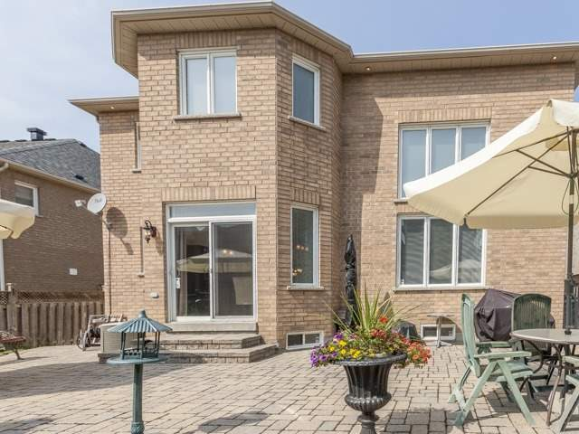 Detached at 221 Sunset Beach Rd, Richmond Hill, Ontario. Image 13