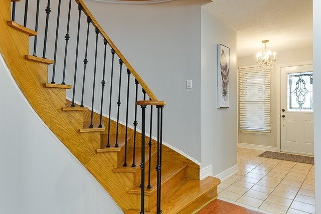 Townhouse at 11 Queensmill Crt, Richmond Hill, Ontario. Image 10