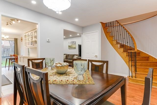 Townhouse at 11 Queensmill Crt, Richmond Hill, Ontario. Image 12