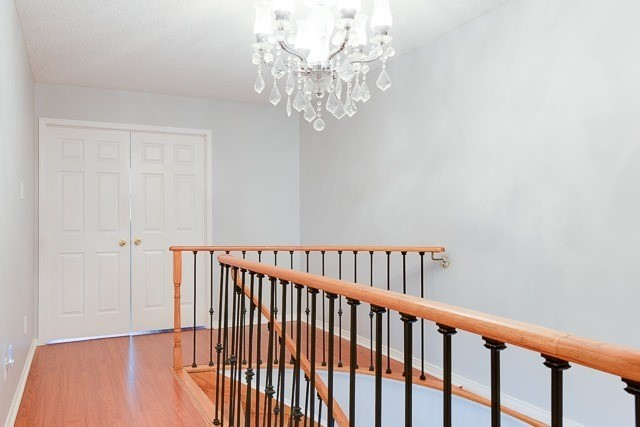 Townhouse at 11 Queensmill Crt, Richmond Hill, Ontario. Image 2