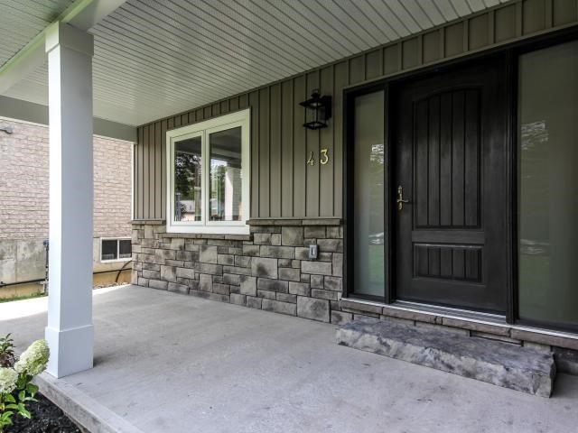 Detached at 43 Lyons Lane, Georgina, Ontario. Image 12