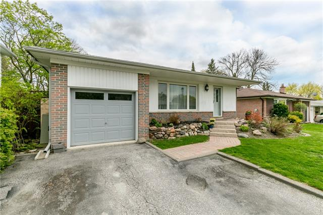 Detached at 300 Roywood Cres, Newmarket, Ontario. Image 1