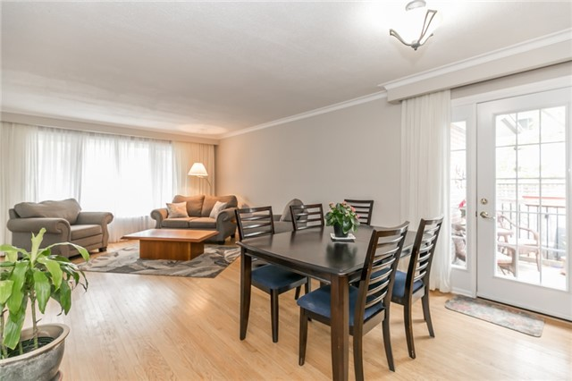 Detached at 300 Roywood Cres, Newmarket, Ontario. Image 17