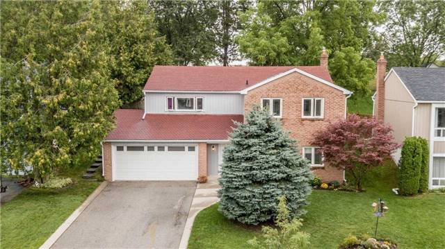 Detached at 61 Thomas Shepperd Dr, East Gwillimbury, Ontario. Image 1