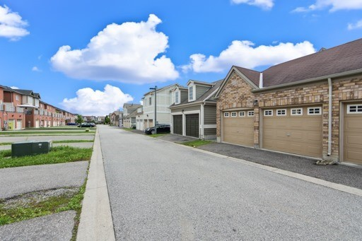 Semi-detached at 8 St James Crt, Markham, Ontario. Image 13
