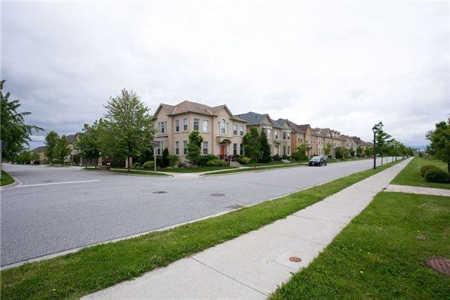 Detached at 31 Bonheur Rd, Markham, Ontario. Image 13