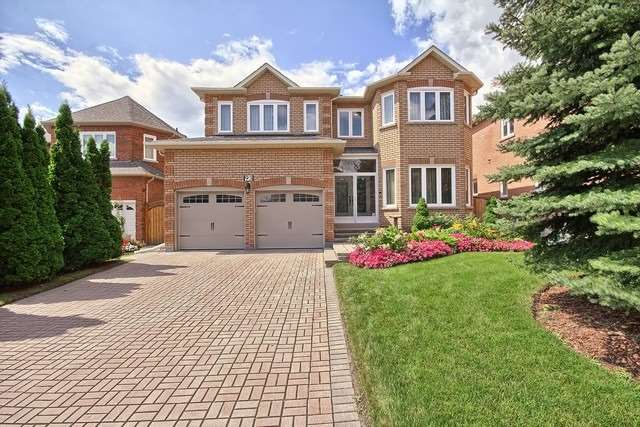 Detached at 93 Clarendon Dr, Richmond Hill, Ontario. Image 1