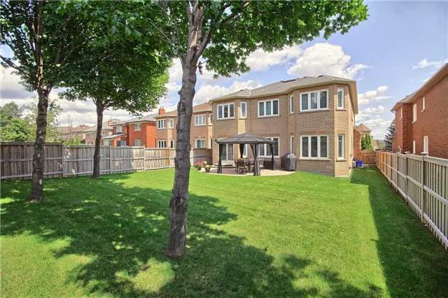 Detached at 93 Clarendon Dr, Richmond Hill, Ontario. Image 11