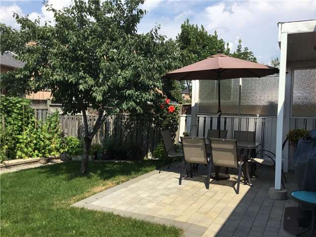 Detached at 157 Colombo Cres, Vaughan, Ontario. Image 9