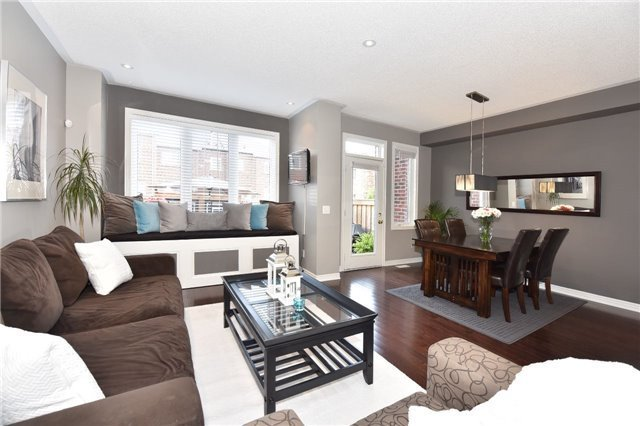 Townhouse at 3 Courtland Cres, Newmarket, Ontario. Image 12