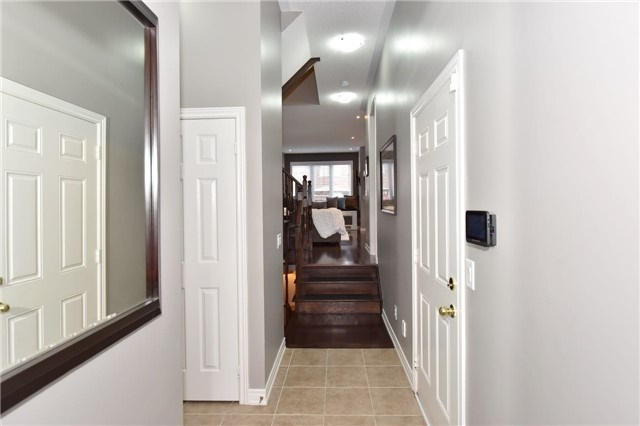 Townhouse at 3 Courtland Cres, Newmarket, Ontario. Image 14