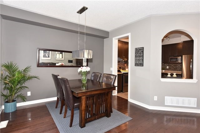 Townhouse at 3 Courtland Cres, Newmarket, Ontario. Image 17