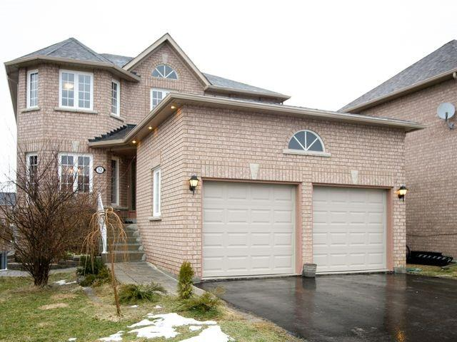 Detached at 32 Woodhaven Cres, Richmond Hill, Ontario. Image 12