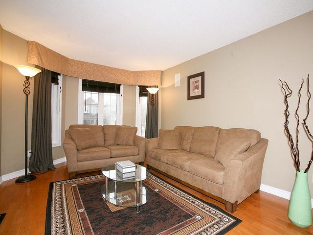 Detached at 32 Woodhaven Cres, Richmond Hill, Ontario. Image 14