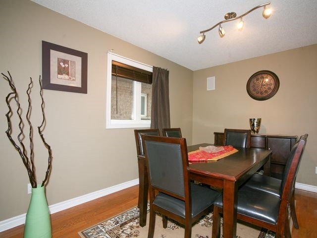 Detached at 32 Woodhaven Cres, Richmond Hill, Ontario. Image 15