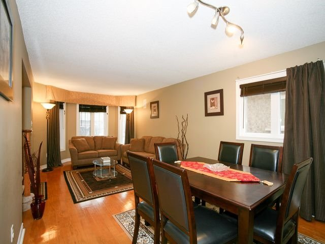 Detached at 32 Woodhaven Cres, Richmond Hill, Ontario. Image 16