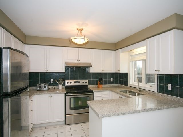 Detached at 32 Woodhaven Cres, Richmond Hill, Ontario. Image 17