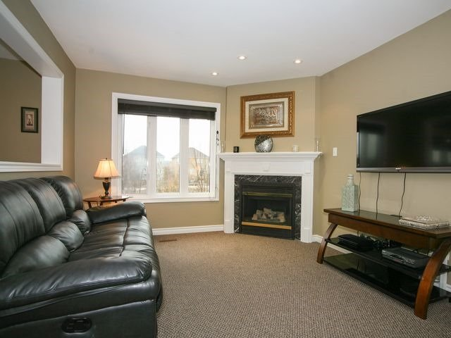 Detached at 32 Woodhaven Cres, Richmond Hill, Ontario. Image 19